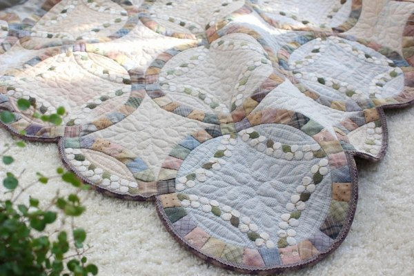 Photo1: Monthly Quilt 2018 - Wedding Ring and Flower Wreath (1)